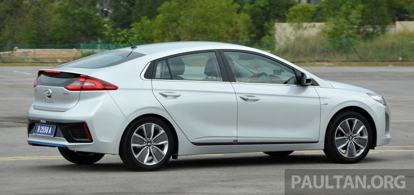 DRIVEN: Hyundai Ioniq Hybrid, thinking out of the box Image #597432