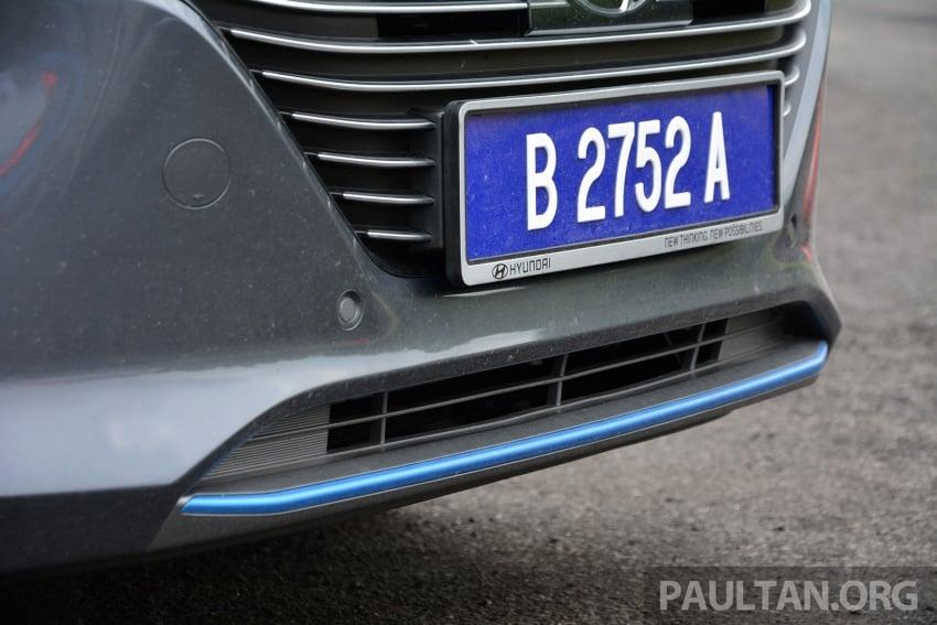 DRIVEN: Hyundai Ioniq Hybrid, thinking out of the box Image #597436