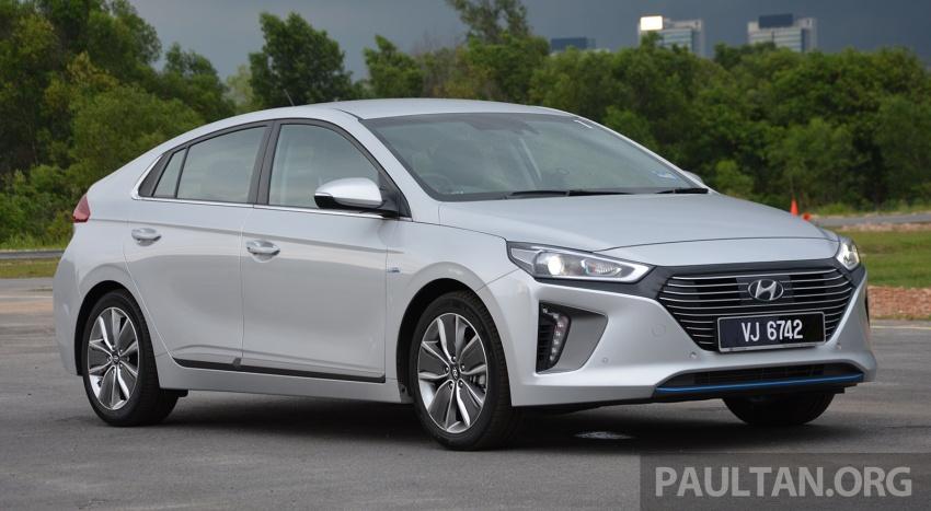 DRIVEN: Hyundai Ioniq Hybrid, thinking out of the box Image #597441