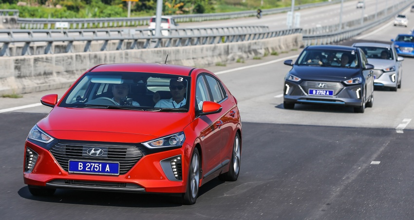 DRIVEN: Hyundai Ioniq Hybrid, thinking out of the box Image #598361