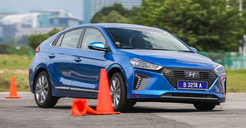 DRIVEN: Hyundai Ioniq Hybrid, thinking out of the box Image #598363