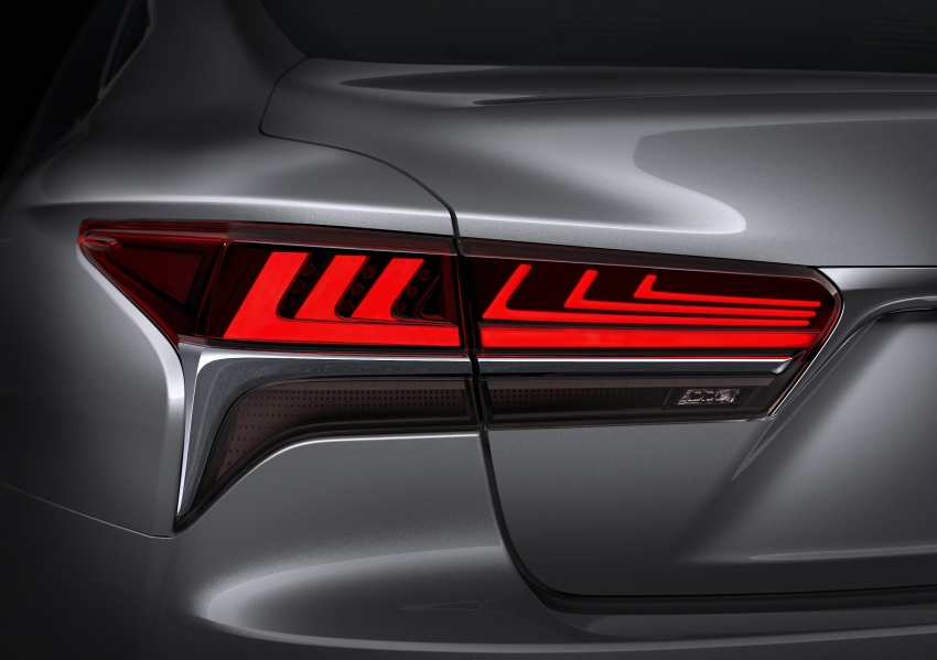 2018 Lexus LS 500 debuts with new 3.5 litre biturbo V6, 10-speed auto, pedestrian avoidance, 24-inch HUD Image #615727