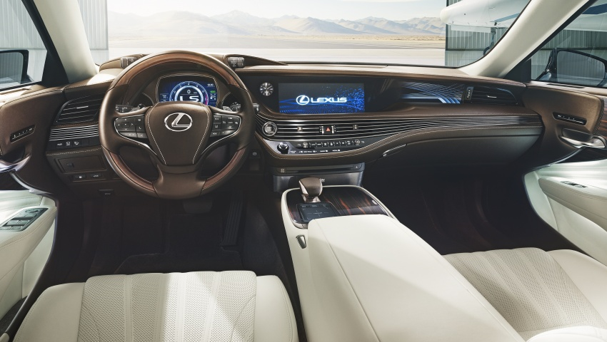 2018 Lexus LS 500 debuts with new 3.5 litre biturbo V6, 10-speed auto, pedestrian avoidance, 24-inch HUD Image #615706