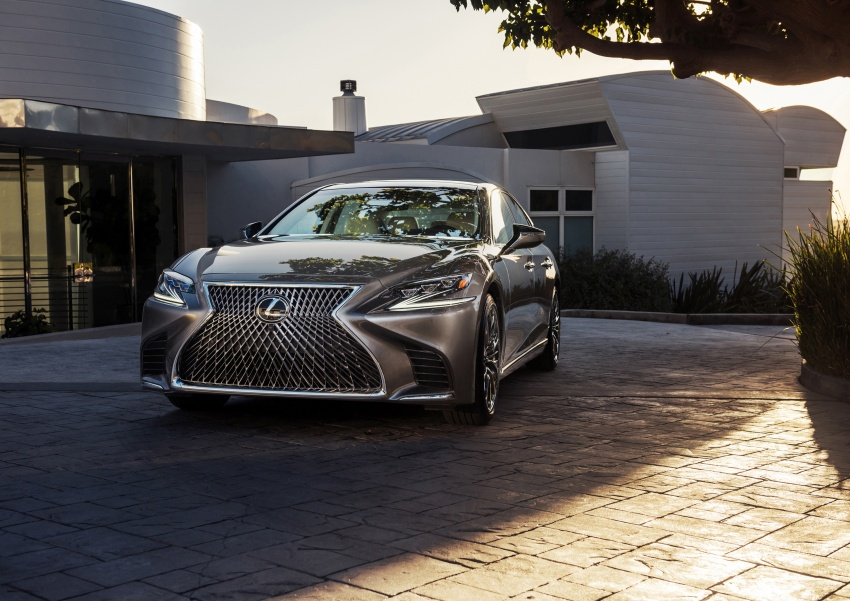 2018 Lexus LS 500 debuts with new 3.5 litre biturbo V6, 10-speed auto, pedestrian avoidance, 24-inch HUD Image #600882
