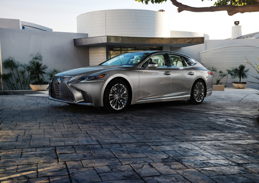 2018 Lexus LS 500 debuts with new 3.5 litre biturbo V6, 10-speed auto, pedestrian avoidance, 24-inch HUD Image #600883