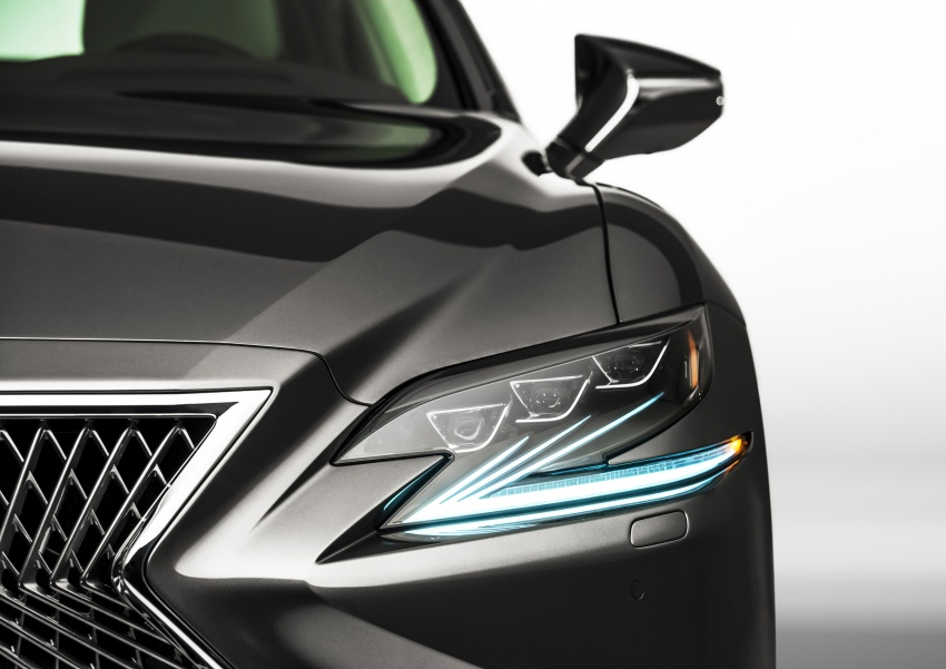 2018 Lexus LS 500 debuts with new 3.5 litre biturbo V6, 10-speed auto, pedestrian avoidance, 24-inch HUD Image #600886
