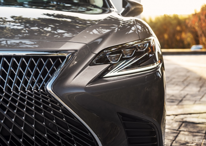 2018 Lexus LS 500 debuts with new 3.5 litre biturbo V6, 10-speed auto, pedestrian avoidance, 24-inch HUD Image #600887