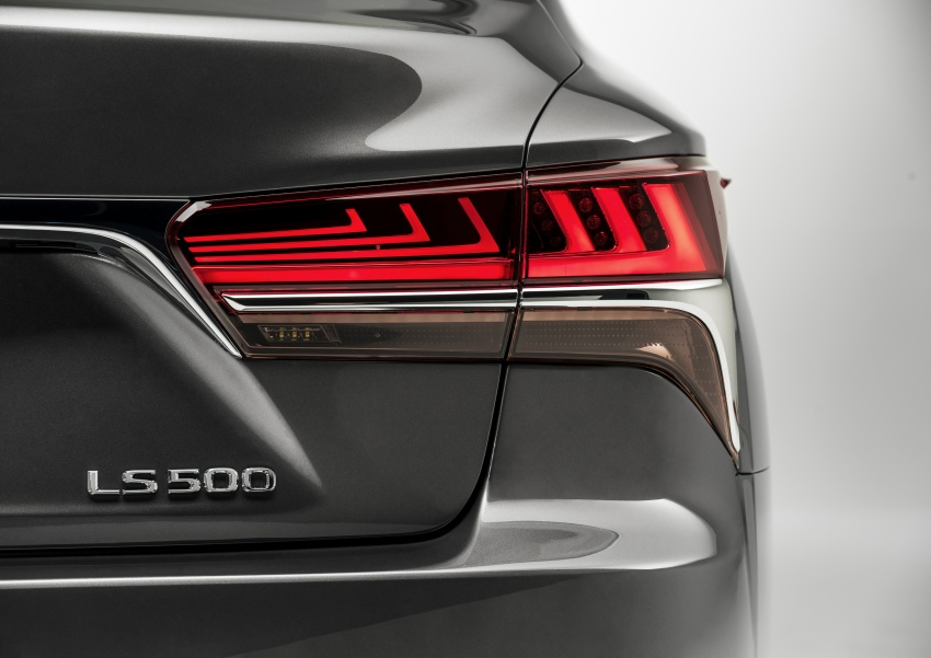 2018 Lexus LS 500 debuts with new 3.5 litre biturbo V6, 10-speed auto, pedestrian avoidance, 24-inch HUD Image #600889