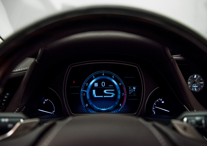 2018 Lexus LS 500 debuts with new 3.5 litre biturbo V6, 10-speed auto, pedestrian avoidance, 24-inch HUD Image #600895