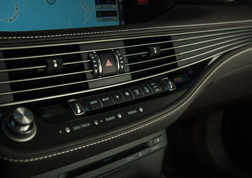 2018 Lexus LS 500 debuts with new 3.5 litre biturbo V6, 10-speed auto, pedestrian avoidance, 24-inch HUD Image #600899