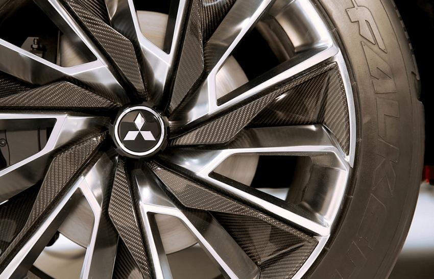 Mitsubishi teases new compact SUV for Geneva show Image #607941