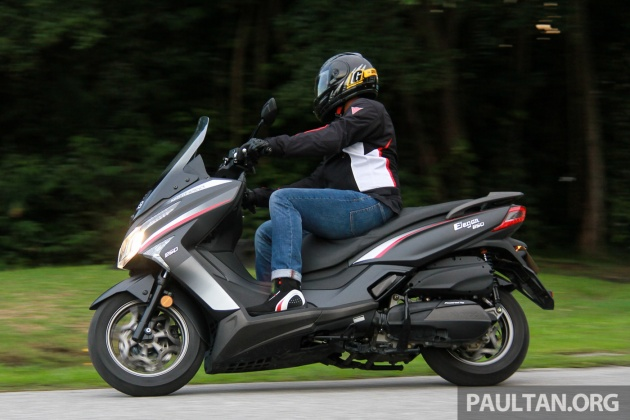 REVIEW: 2017 Modenas Elegan 250 - scooting around