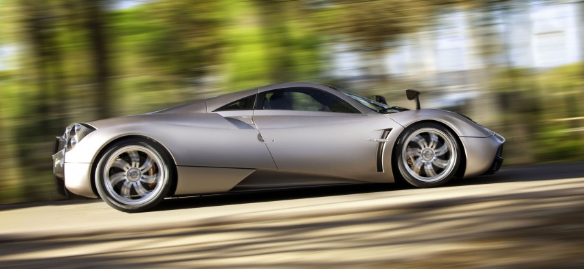 Pagani Huayra Roadster teased again, front shown Image #608305