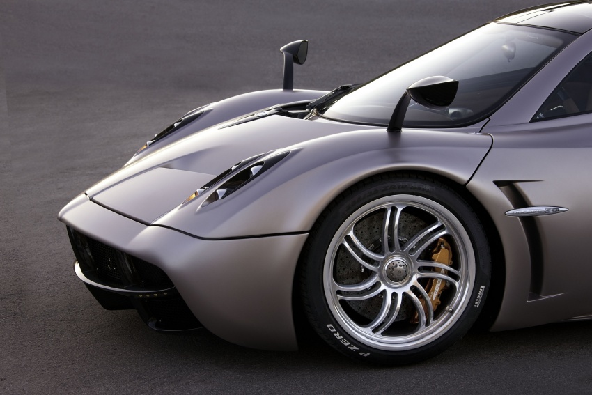Pagani Huayra Roadster teased again, front shown Image #608307