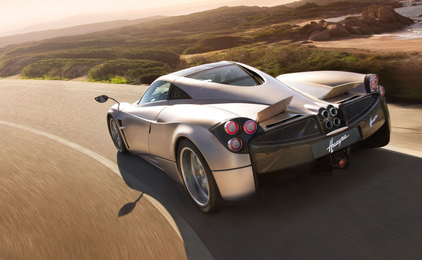 Pagani Huayra Roadster teased again, front shown Image #608308