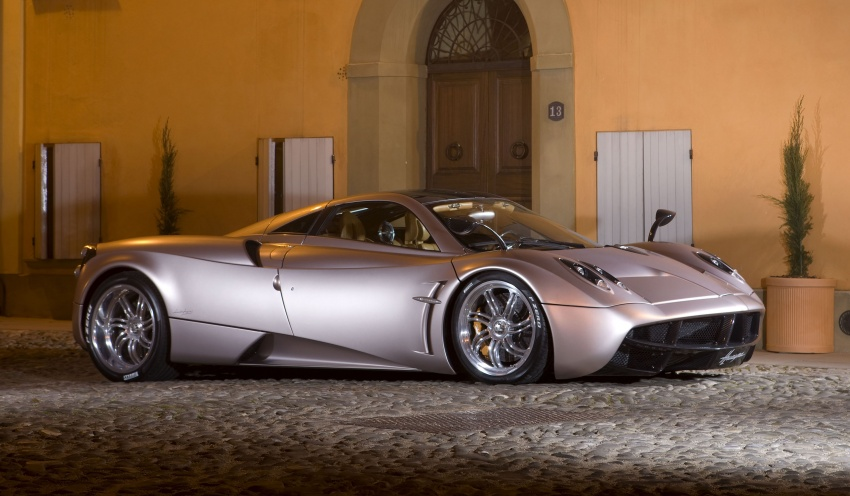 Pagani Huayra Roadster teased again, front shown Image #608311