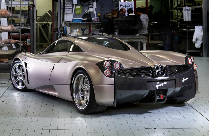 Pagani Huayra Roadster teased again, front shown Image #608312