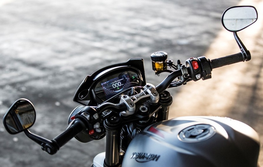 2017 Triumph Street Triple series launched in UK – from RM44k, expected arrival in Malaysia around April Image #601953