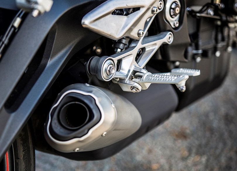 2017 Triumph Street Triple series launched in UK – from RM44k, expected arrival in Malaysia around April Image #601951