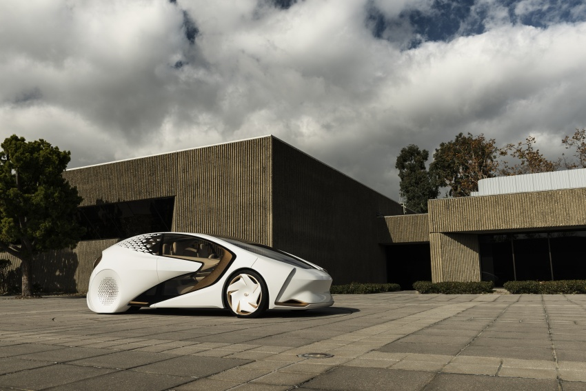 Toyota Concept-i debuts at CES 2017 – friendlier future Image #598801