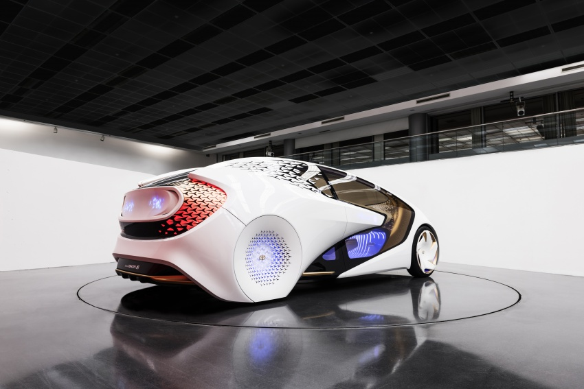 Toyota Concept-i debuts at CES 2017 – friendlier future Image #598805
