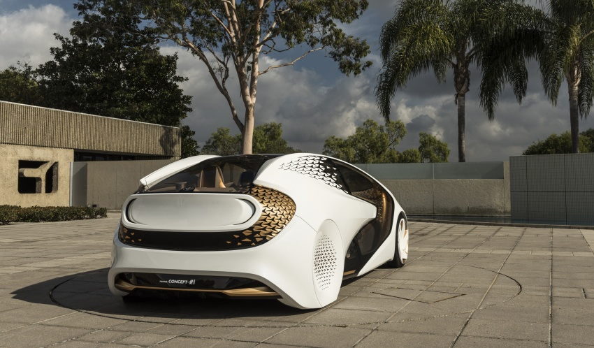 Toyota Concept-i debuts at CES 2017 – friendlier future Image #598808