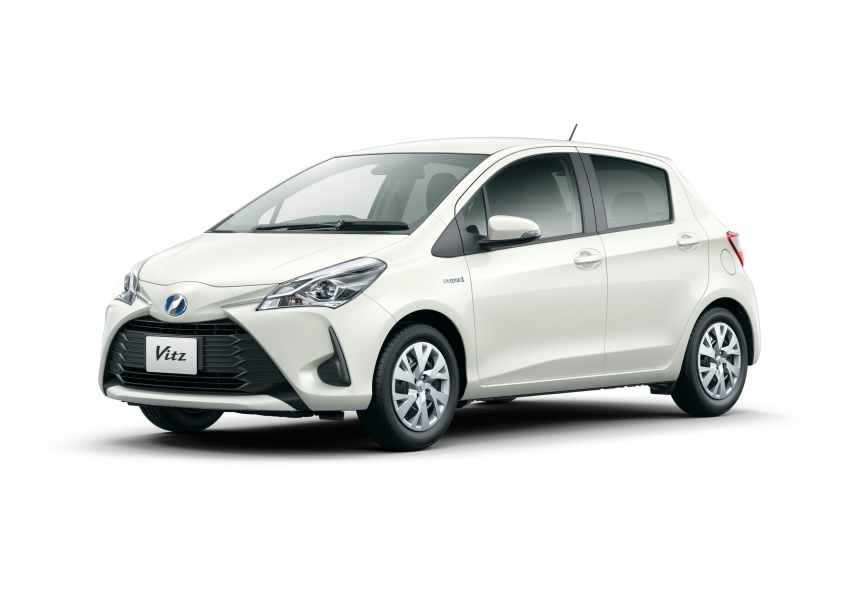 Toyota Yaris facelifted again – new Hybrid for Japan Image #603048