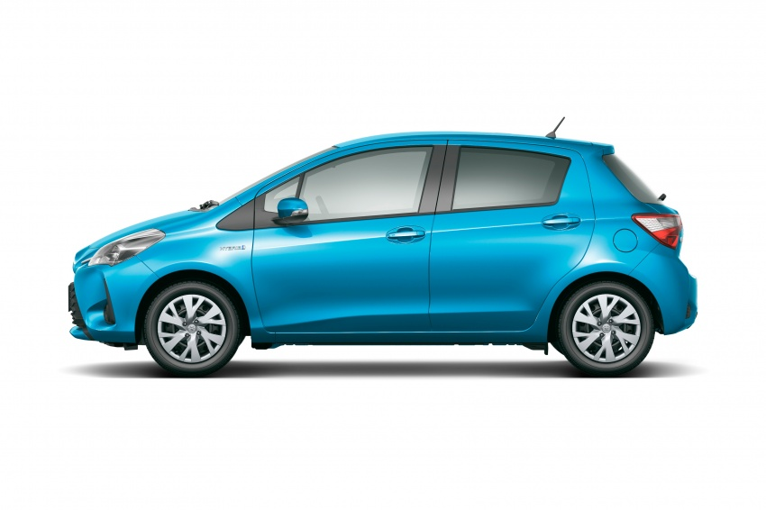 Toyota Yaris facelifted again – new Hybrid for Japan Image #603054