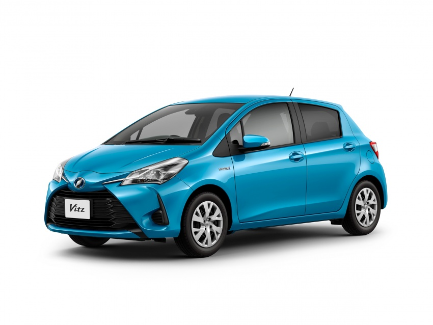 Toyota Yaris facelifted again – new Hybrid for Japan Image #603073