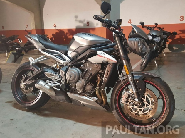 2017 triumph street triple 765 rs first look in spain. Black Bedroom Furniture Sets. Home Design Ideas