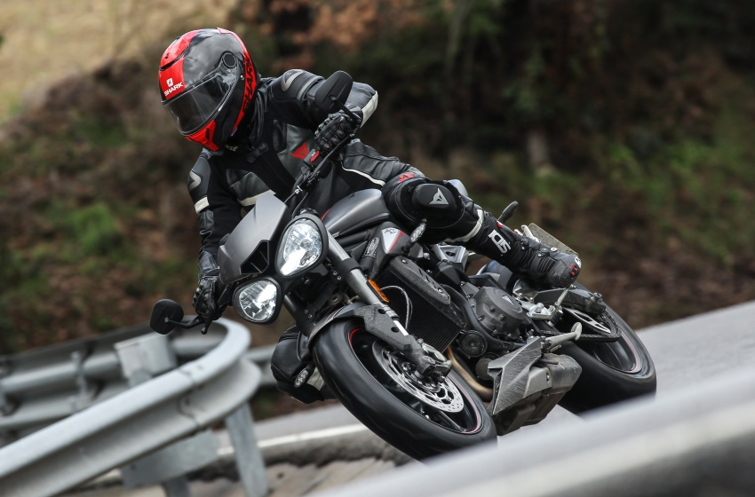 REVIEW: 2017 Triumph Street Triple 765 RS – media road and track test in Catalunya, Spain Image #616547