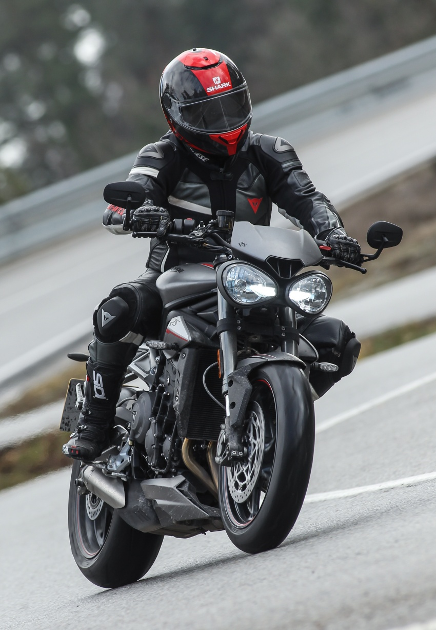REVIEW: 2017 Triumph Street Triple 765 RS – media road and track test in Catalunya, Spain Image #616548