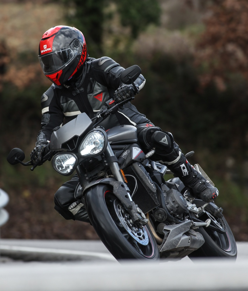 REVIEW: 2017 Triumph Street Triple 765 RS – media road and track test in Catalunya, Spain Image #616552