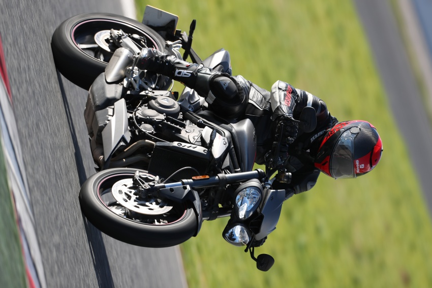 REVIEW: 2017 Triumph Street Triple 765 RS – media road and track test in Catalunya, Spain Image #616566