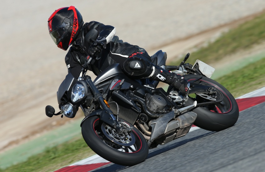 REVIEW: 2017 Triumph Street Triple 765 RS – media road and track test in Catalunya, Spain Image #616568