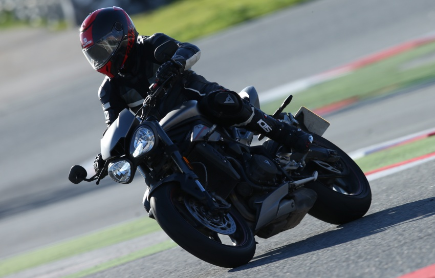 REVIEW: 2017 Triumph Street Triple 765 RS – media road and track test in Catalunya, Spain Image #616571