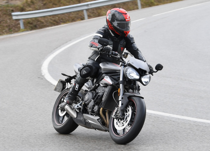 REVIEW: 2017 Triumph Street Triple 765 RS – media road and track test in Catalunya, Spain Image #616537