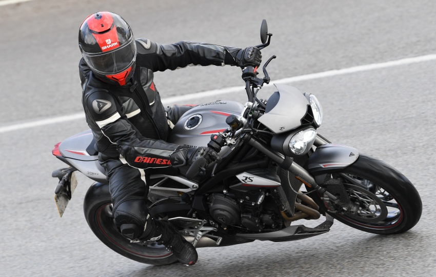REVIEW: 2017 Triumph Street Triple 765 RS – media road and track test in Catalunya, Spain Image #616541