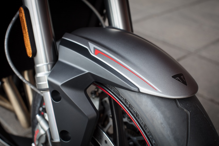 REVIEW: 2017 Triumph Street Triple 765 RS – media road and track test in Catalunya, Spain Image #616594