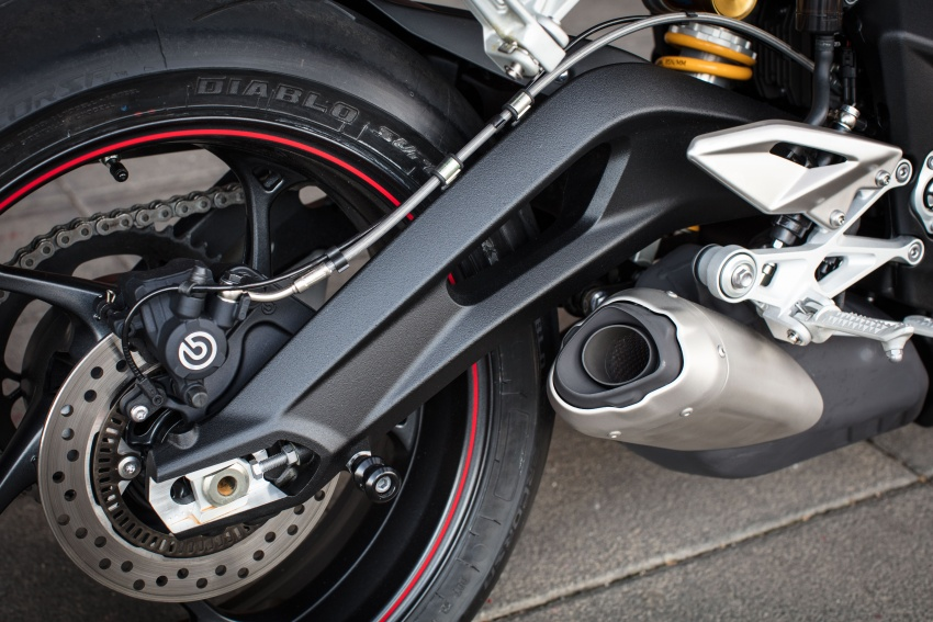 REVIEW: 2017 Triumph Street Triple 765 RS – media road and track test in Catalunya, Spain Image #616624