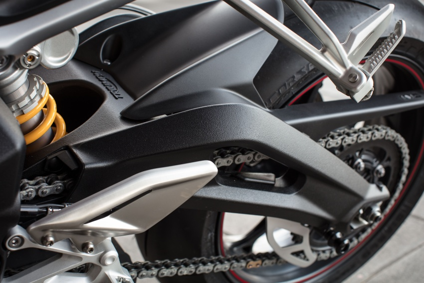 REVIEW: 2017 Triumph Street Triple 765 RS – media road and track test in Catalunya, Spain Image #616629