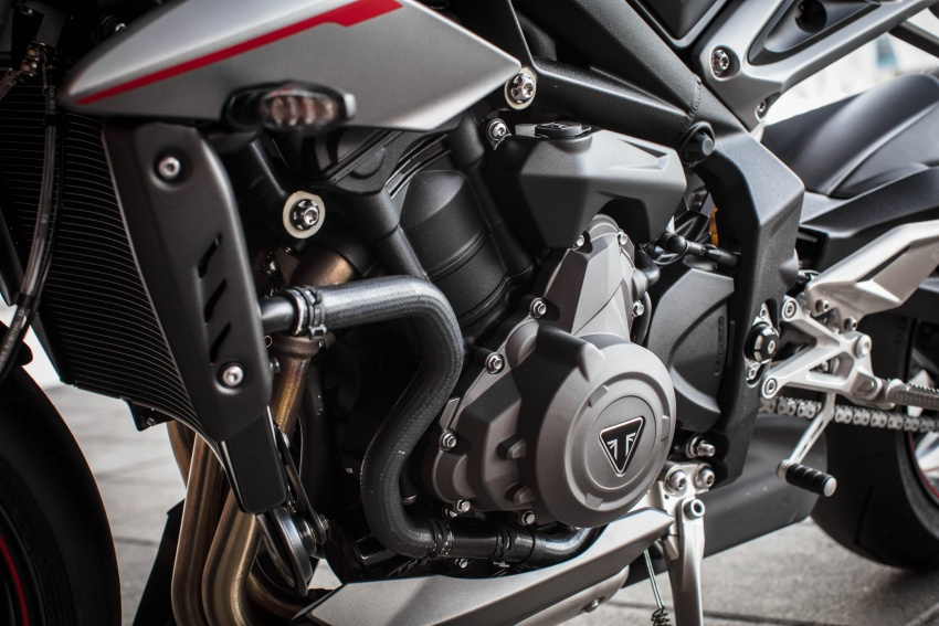 REVIEW: 2017 Triumph Street Triple 765 RS – media road and track test in Catalunya, Spain Image #616631