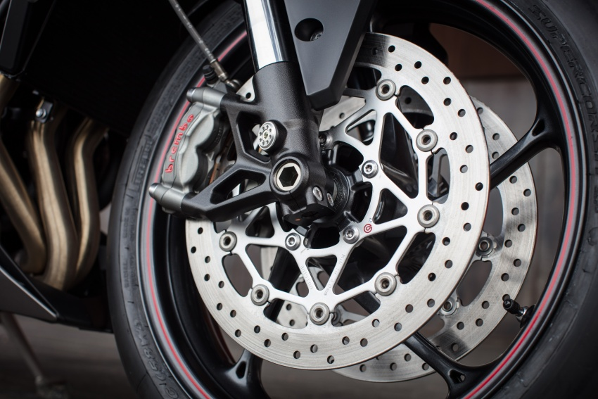 REVIEW: 2017 Triumph Street Triple 765 RS – media road and track test in Catalunya, Spain Image #616596