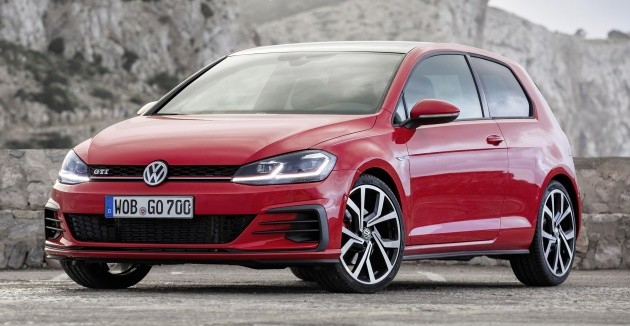 Volkswagen Has Released More Images Of Its Golf Mk7 Facelift Which Was Unveiled Last November The New Photo Set Showcases Six Model Versions From The