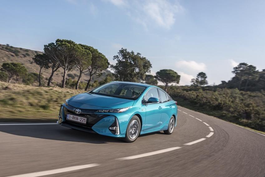 New Toyota Prius Plug-in Hybrid – double the EV range Image #612731