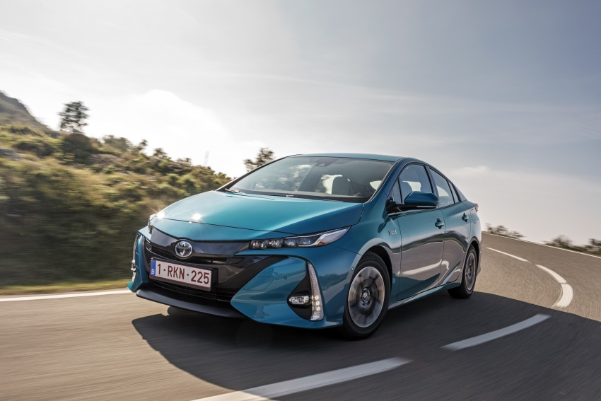 New Toyota Prius Plug-in Hybrid – double the EV range Image #612732