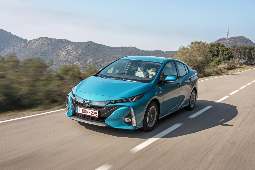 New Toyota Prius Plug-in Hybrid – double the EV range Image #612734
