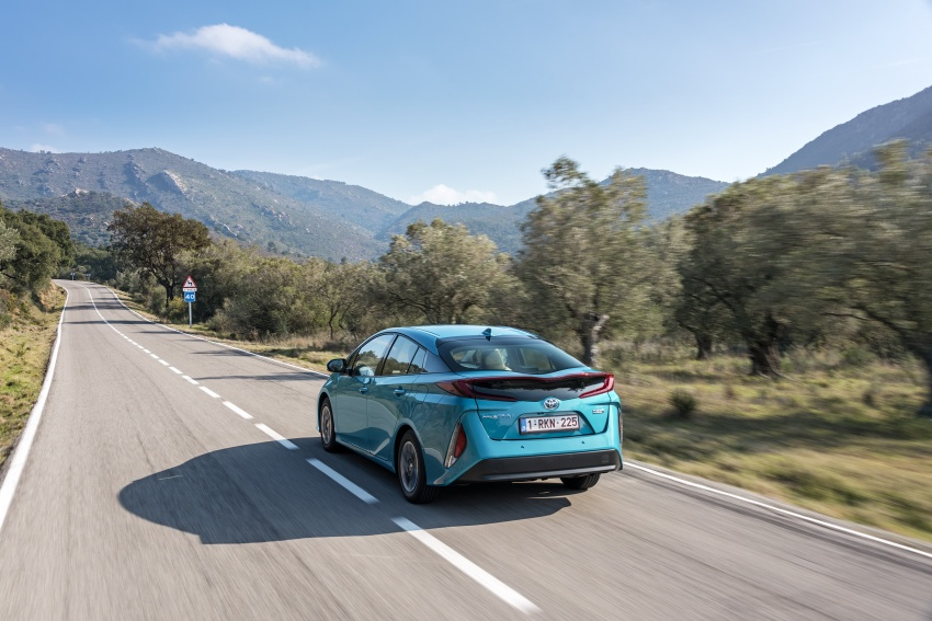 New Toyota Prius Plug-in Hybrid – double the EV range Image #612737