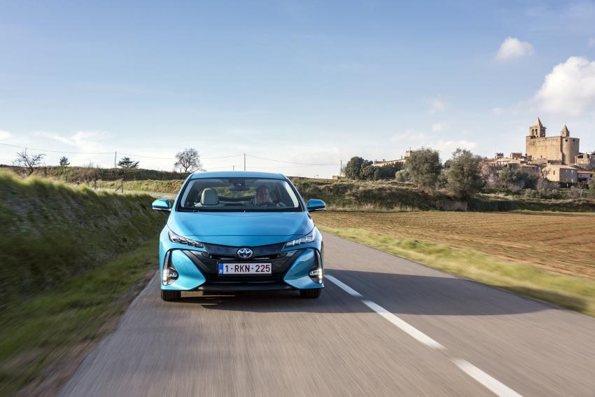 New Toyota Prius Plug-in Hybrid – double the EV range Image #612739