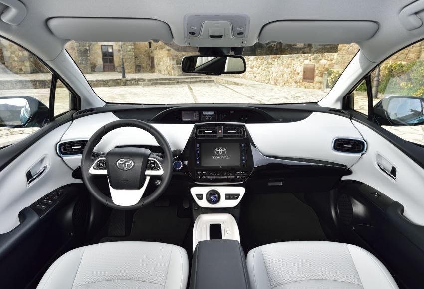 New Toyota Prius Plug-in Hybrid – double the EV range Image #612744